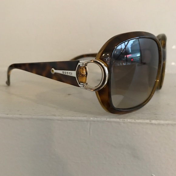 05e95a2958e9c Gucci Accessories - GUCCI Bamboo Detail Tortoise Sunglasses!